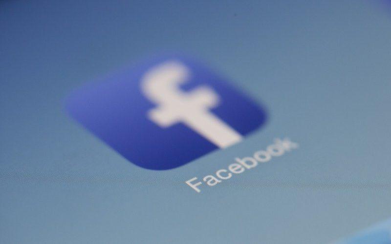肖像権やプライバシーの侵害…SNSに勝手に画像を掲載された場合の対処法
